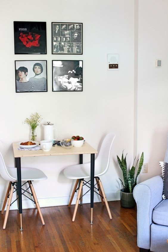 8. A Beautiful Breakfast Nook via Simphome