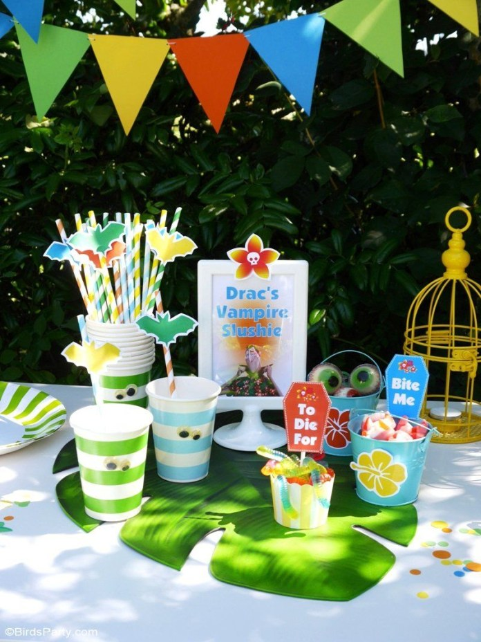 14.a summer backyard camping party with free printables via SIMPHOME.COM