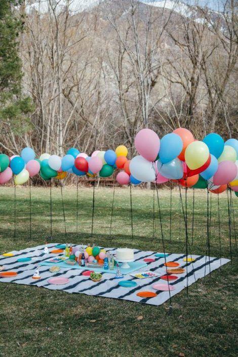 3. Rugs and Baloons via Simphome.com