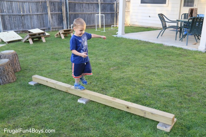 11.diy american ninja warrior backyard obstacle course frugal fun from SIMPHOME.COM