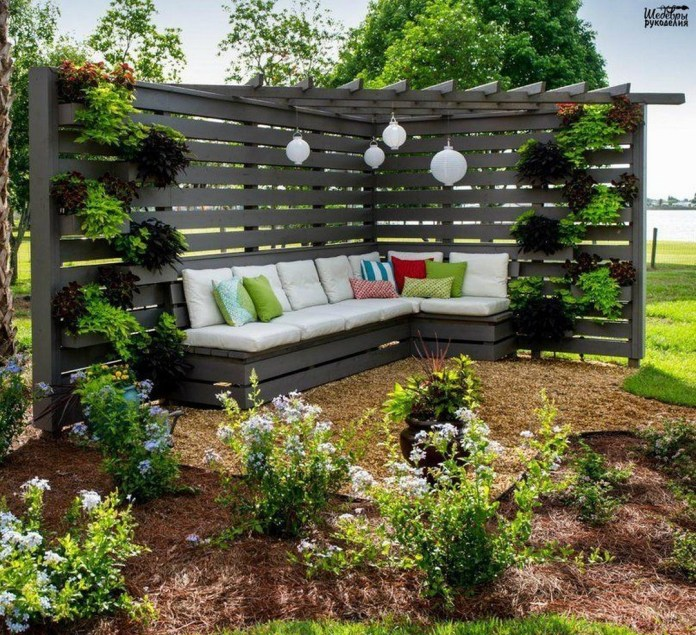 14.SIMPHOME.COM great tips and ideas to create backyard privacy landscaping