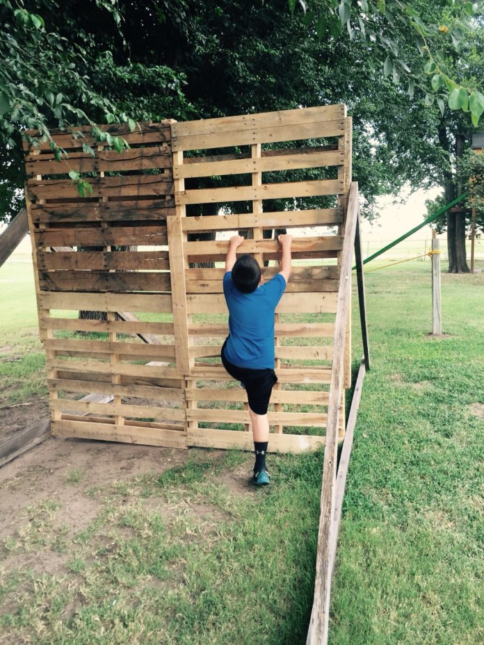 16.SIMPHOME.COM pallet obstacle course kiley backyard obstacle course kids