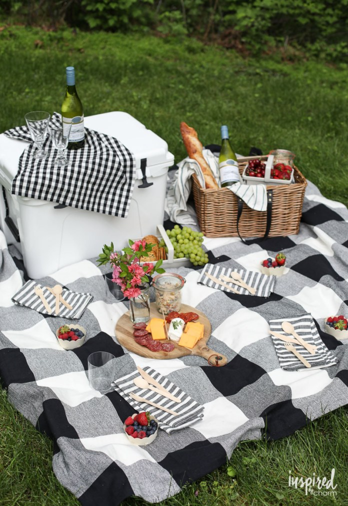 19.SIMPHOME.COM A picture perfect summer picnic ideas