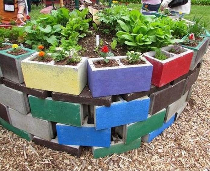 1. SIMPHOME.COM Concrete Block Garden