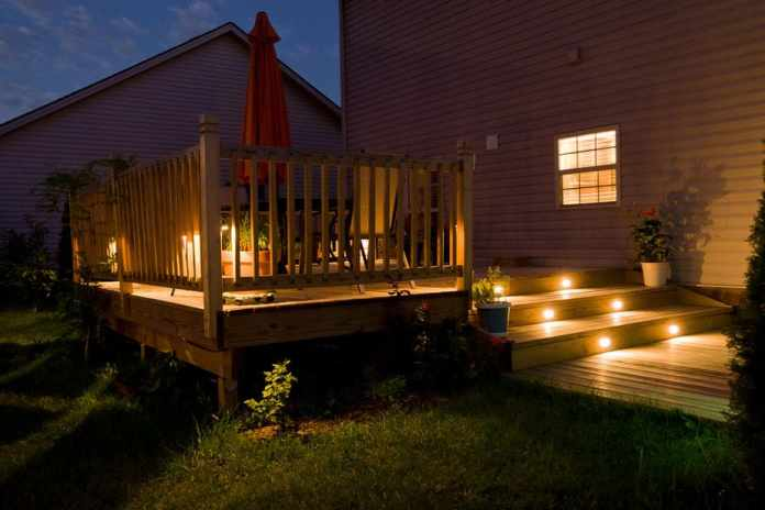 6.Simphome.com Simple Small Deck with Staircase Lighting