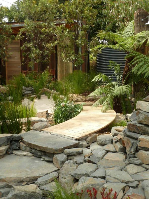 5.Simphome.com Stay Calm in the Zen Garden 1
