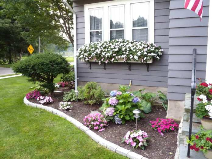 Simphome.com best front yard landscaping ideas and garden designs for 2020 throughout gardening ideas for front yard
