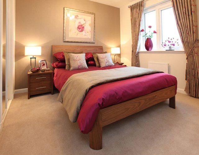 10.Simphome.com Passionate Deep Raspberry Bedroom