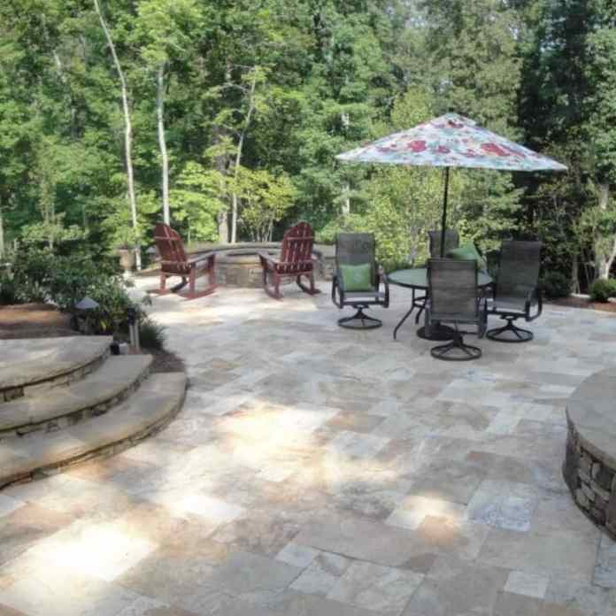 3.Simphome.com Garden with Travertine Pavers 3
