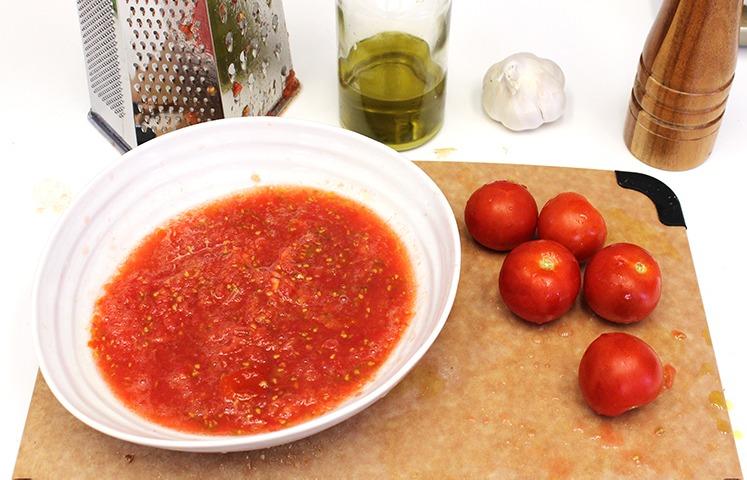 Pan con Tomate aka Rustic Spanish Tomato Bread