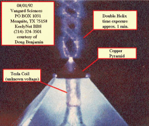Two-Giant-Underwater-Crystal-Pyramids-Discovered-In-The-Center-Of-The-Bermuda-Triangle-8