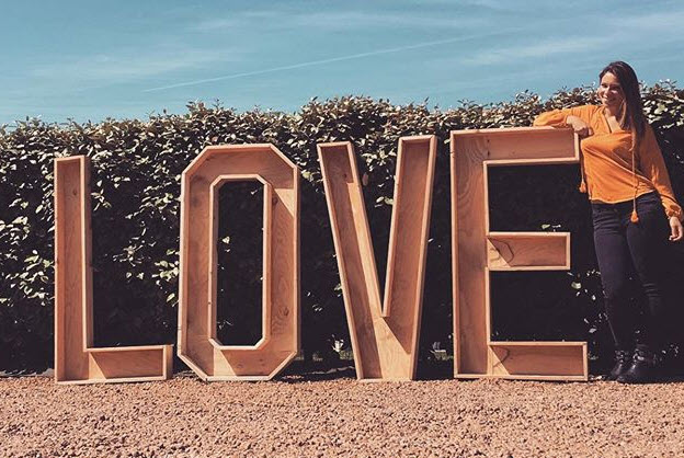 grandes lettres en 3D bois bientot_mrs_mme_m