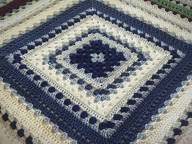Video Tutorial Giant Granny Square Afghan Free Pattern Included