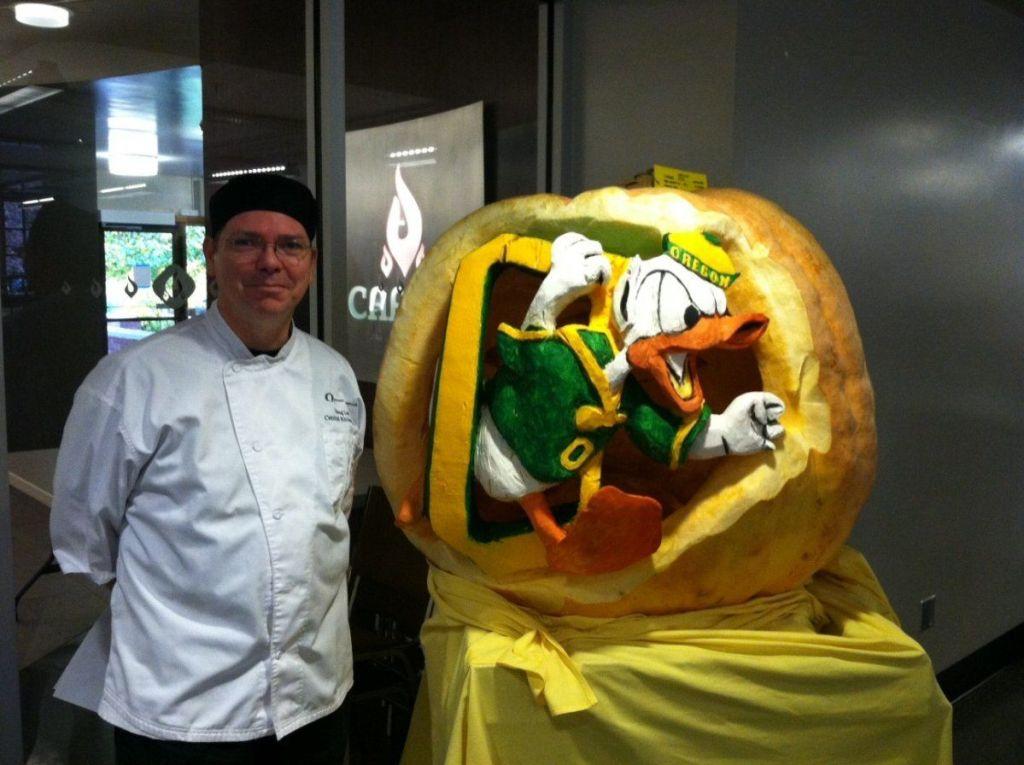 oregon duck jackolantern pumpkin