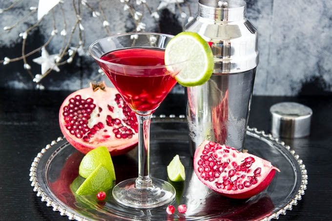 skinny-pomegranate-martini fg