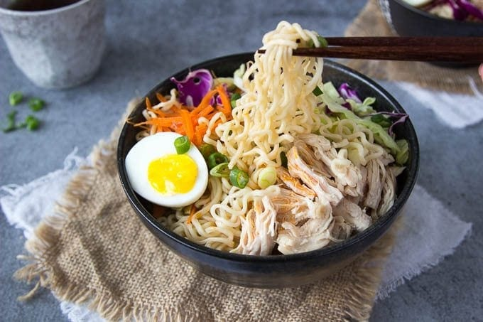 healthy-chicken-ramen-bowl fg