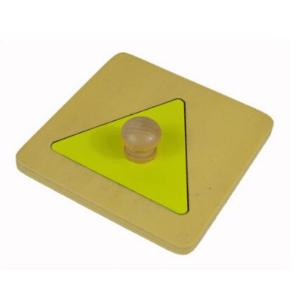 Triangle jaune en bois