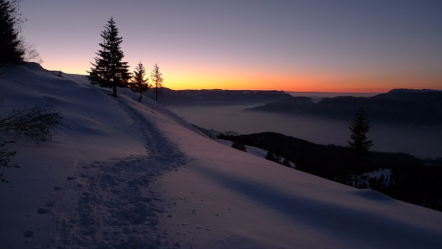 snow-834111_640