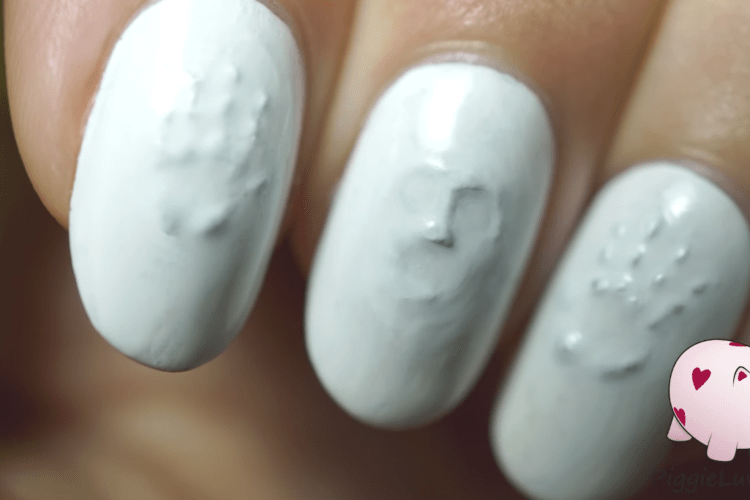 This Shows You How To Get Creepy Cool Nail Art In Under 2 Minutes
