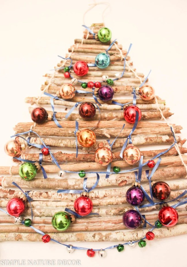 Christmas Tree DIY Thats Perfect For Small Spaces