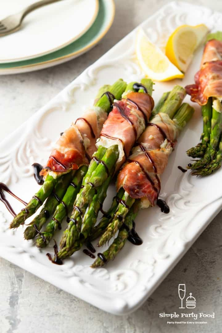 SIMPLE Proscuitto Wrapped Asparagus - a total show stopper, elegant appetizer, sidedish or finger food