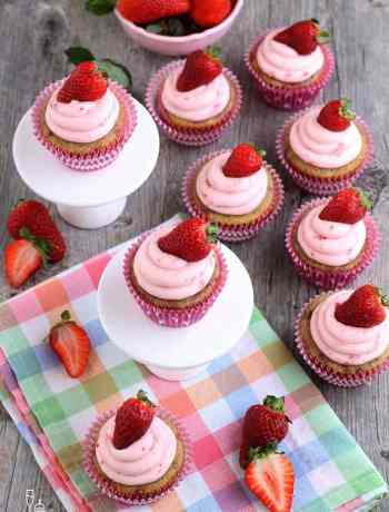 SIMPLE Strawberry Cupcakes perfect for a girls birthday party, springtime, Easter or whenever #cupcakes #simplepartyfood