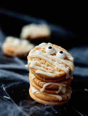 SIMPLE Mummy Oreo Cookies