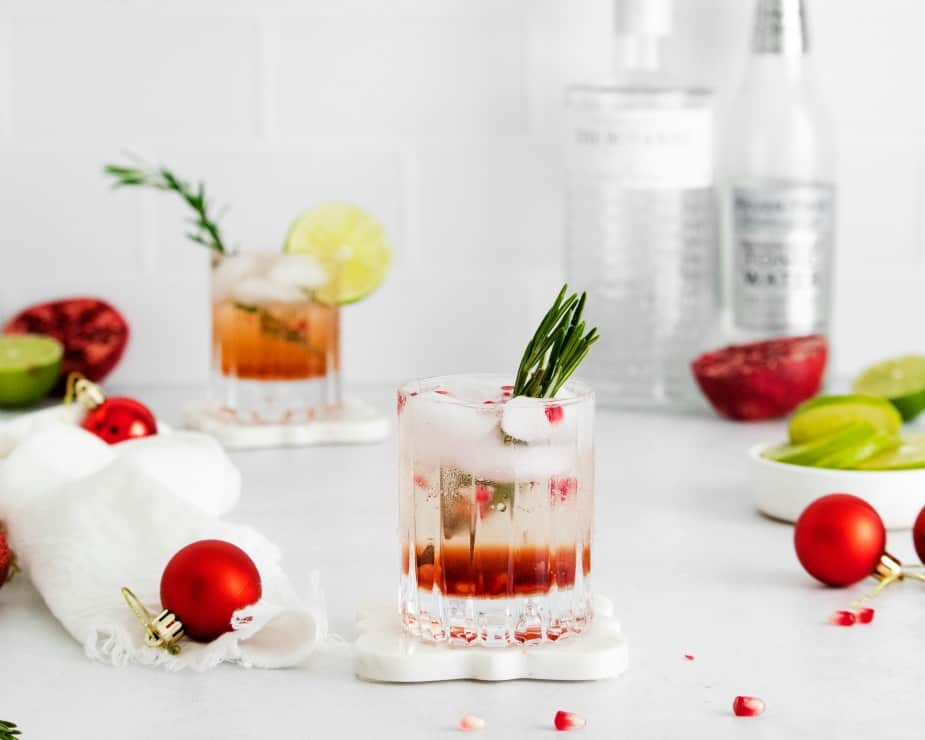 SIMPLE Pomegranate Gin and tonic
