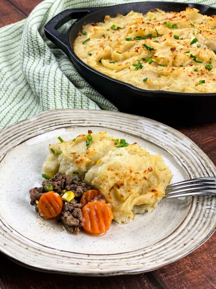 SIMPLE One Skillet Shepherds Pie is easy enough for a weeknight meal using store bought premade mashed potatoes #simplepartyfood