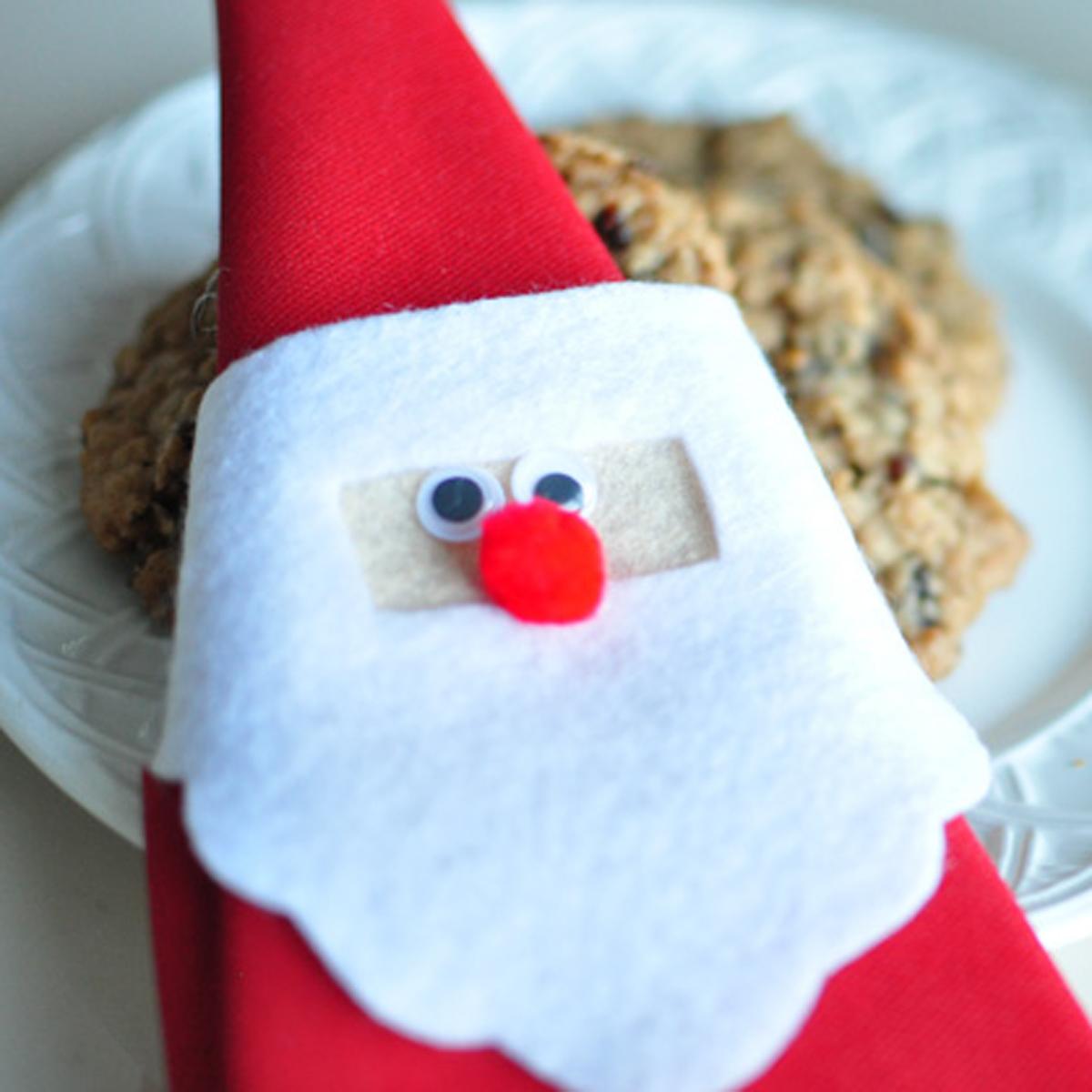 Christmas Tree Napkin Pattern: Vintage Santa Napkin Holder Tutorial