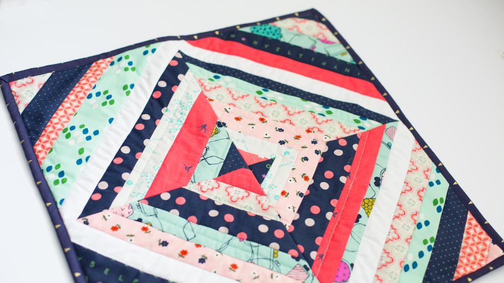 string mini quilt