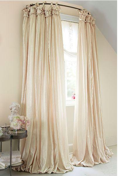 Curtain rod half circle