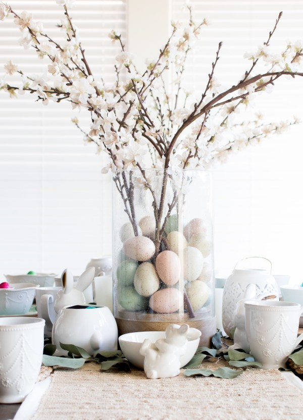 HOW TO CREATE THE PERFECT SPRING PASTEL EASTER TABLESCAPE