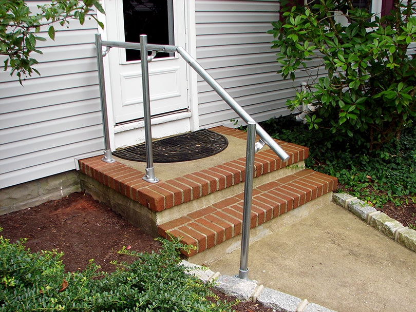 13 Outdoor Stair Railing Ideas That You Can Build Yourself | Outdoor Stair Railing Installation | Balcony | Steel | Metal | Patio | Residential