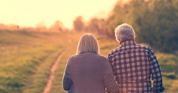 Senior-Couple-SunSet