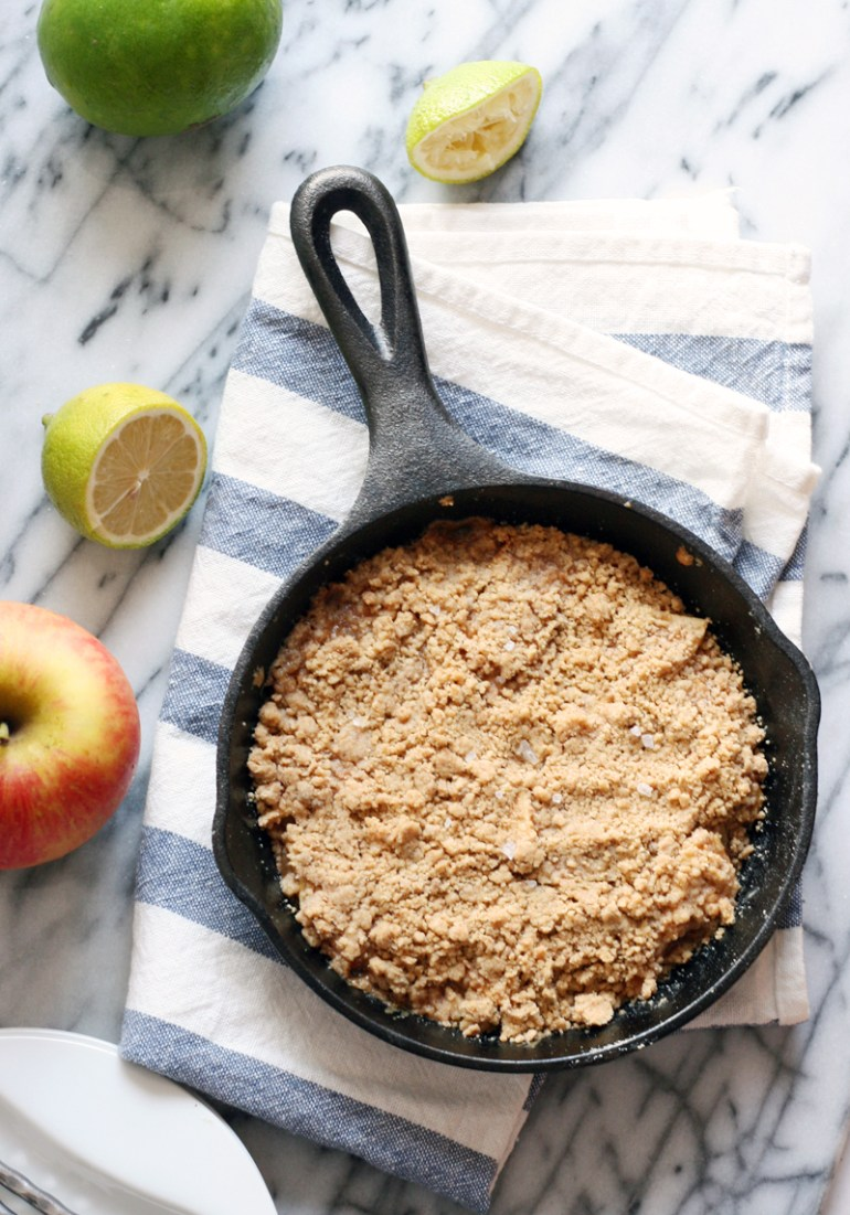 skillet apple crumble with salted caramel sauce