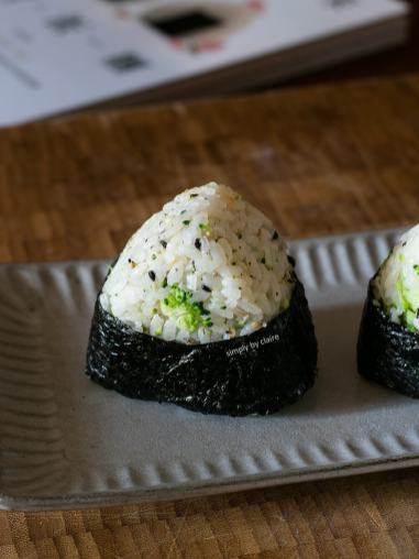 brocolli-mixed-onigiri-08
