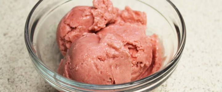 15-51: Frozen Strawberry Yogurt