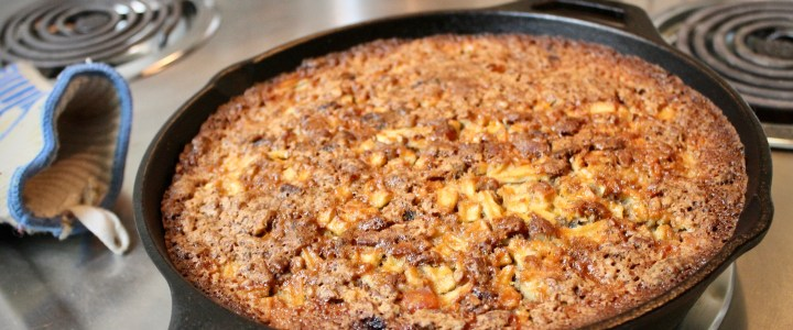 16-52: Apple Nut Saucepan Torte