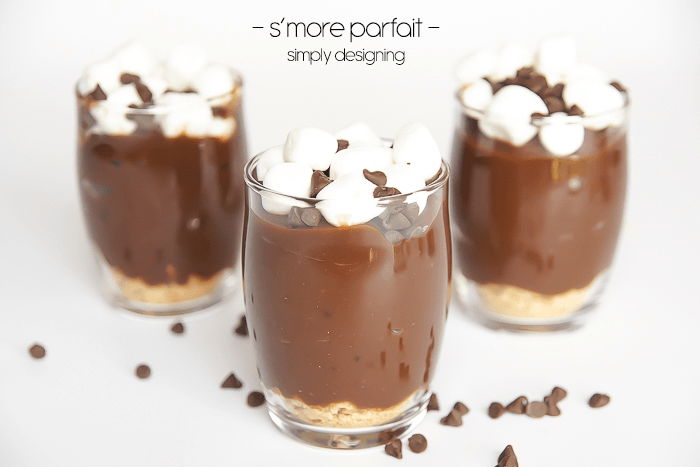 smore parfait recipe - this is so delicious and only takes a few minutes to make