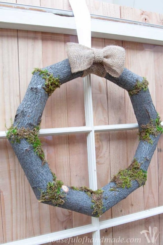 Woodsy-Fall-Log-Wreath-2
