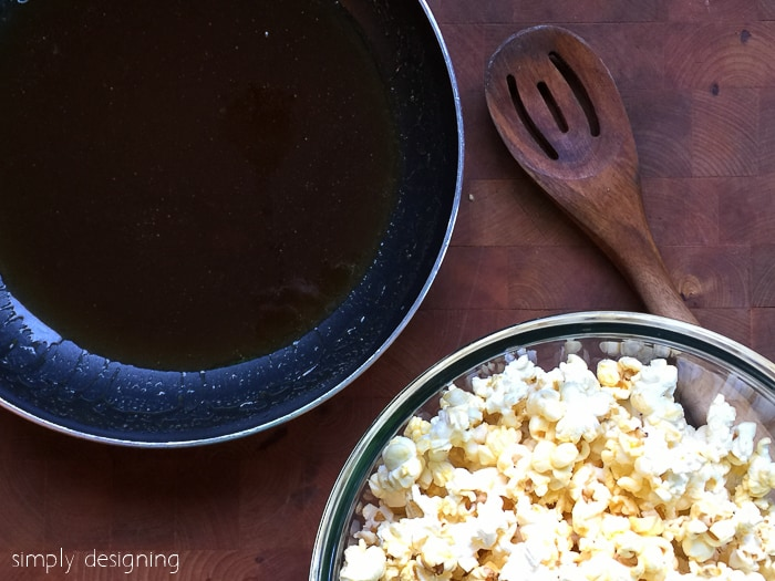 Quick 4-Ingredient Caramel Popcorn