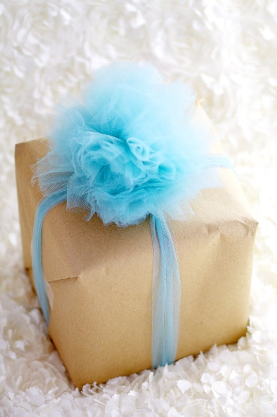 DIY-Tulle-Gift-Bow-8