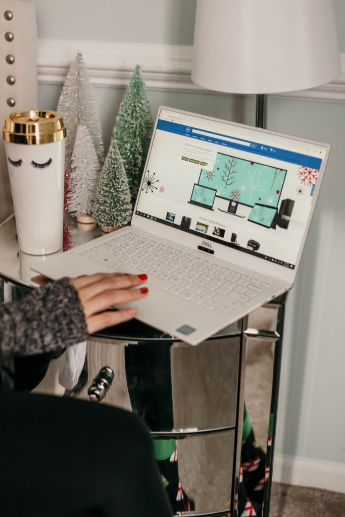 Dell's Hottest Holiday Picks by Simply Every
