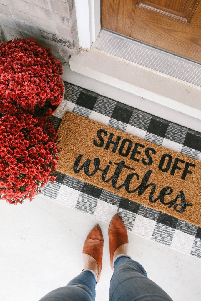 shoes off witches door mat is a fall home decor detail