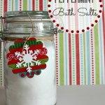 A Homemade Christmas Gift: Homemade Bath Salts