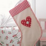 A Homemade Christmas Gift – Pretty Plaid Stocking
