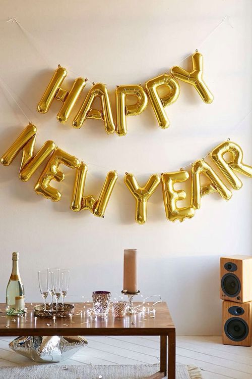 How To Create A Beautifully Simple New Year s Eve Party New Years Eve Party GOALS via Simply Grove