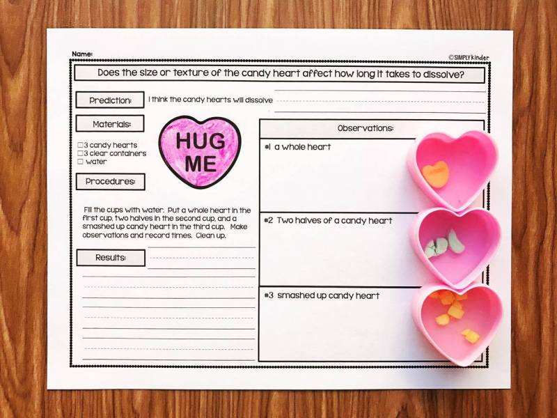 Do conversation hearts dissolve at the same rate in different sizes?  A great (and easy) Valentine's Day science project for preschool, kindergarten, and first grade.