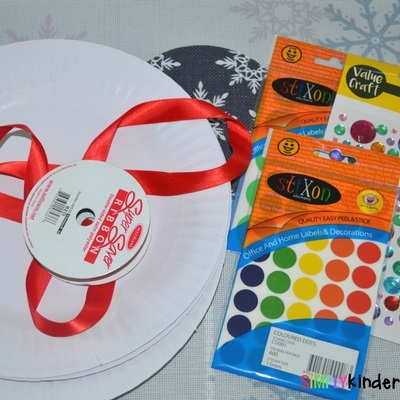 Paper Plate Christmas Ornaments supplies